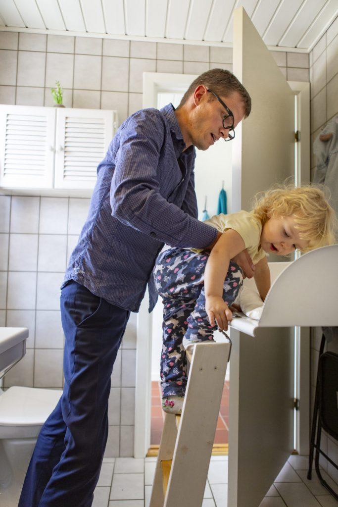 Dit barn kan selv kravle op. Foto: Søren Holm